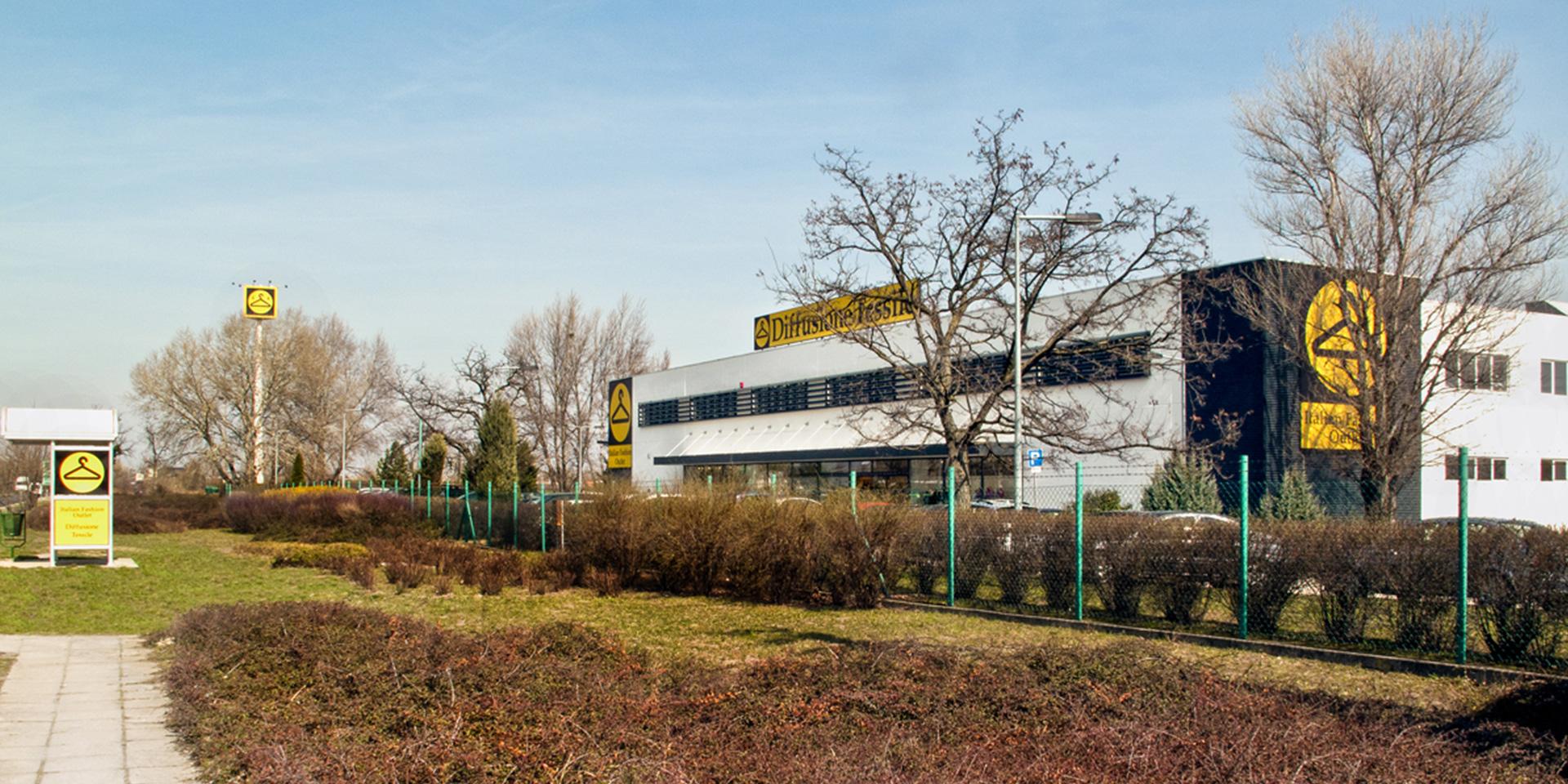 Outlet Diffusione Tessile a Budapest, Binini Partners, Società di architettura e ingegneria